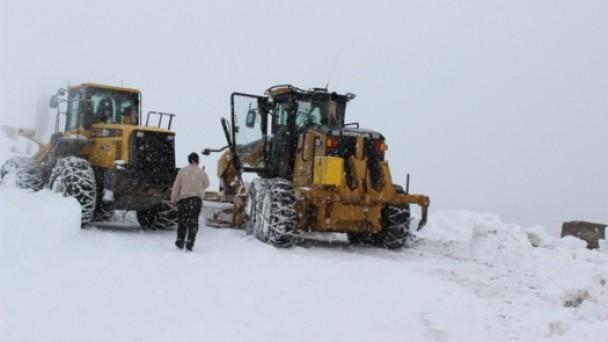 Kar ile Mücadele Devam Ediyor
