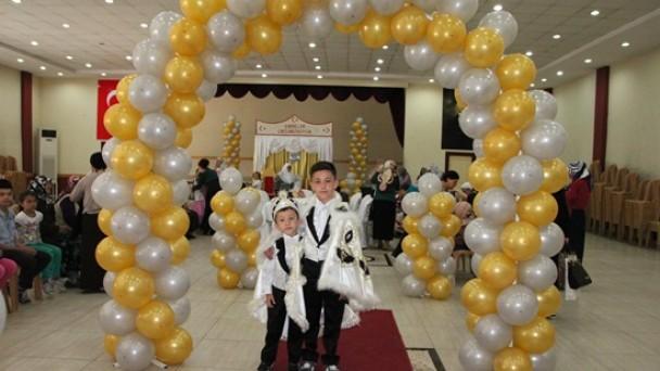 Mustafa ve Melih Erkekliğe Adım Attı
