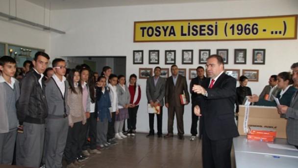 Tosya'da, Tablet Dağıtımı Yapıldı