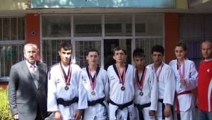 Tosya'ya 6 madalya
