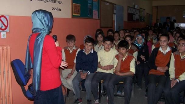 N.Kemal Ortaokulu'nda sigaranın zararları anlatıldı