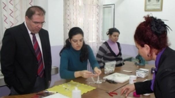 Kaymakam TÜRKÖZ ve eşi Sunel Önel TÜRKÖZ Halk Eğitim Merkezini ziyaret etti