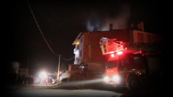 Tosya'da Çatı Yangını Korkuttu!