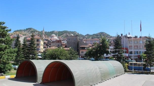 Tosya'da 750  kişilik iftar çadırı kuruldu