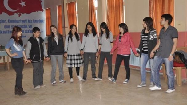 Anadolu Öğretmen Lisesi Romanya Yolcusu