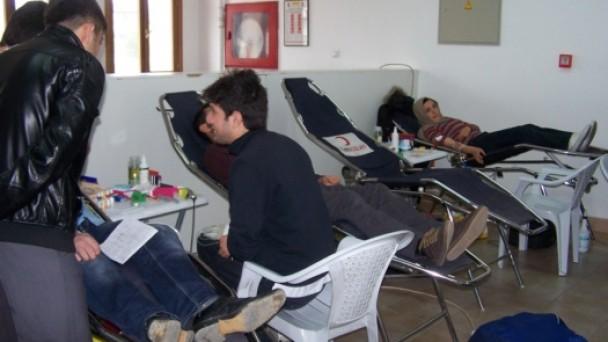 Öğrencilerden Kızılay'a Kan Bağışı!