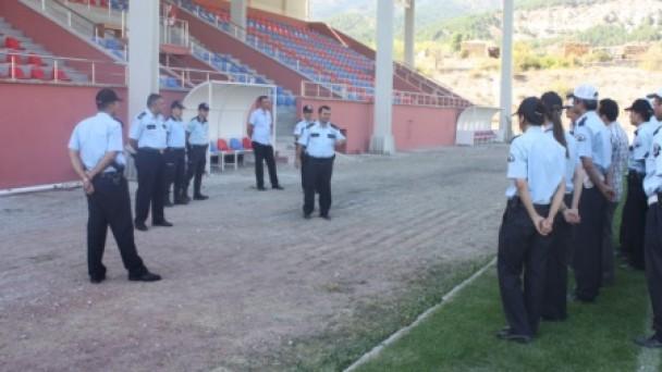 Polis Tribün Magandalarına Karşı Eğitiliyor!