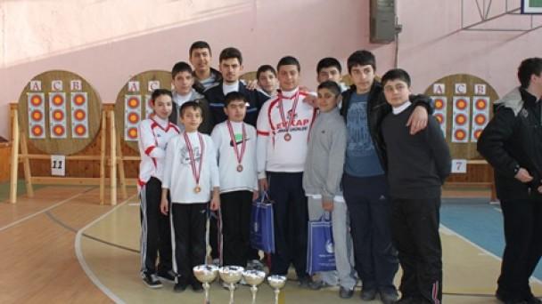 Genç Okçularımız Mersin'de Türkiye Turnuvasında Yarışıyor