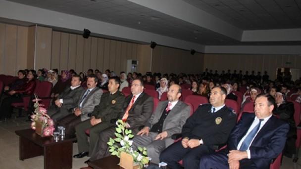Tosya Lisesi Dünya Tiyatrolar Günü'nü Kutladı