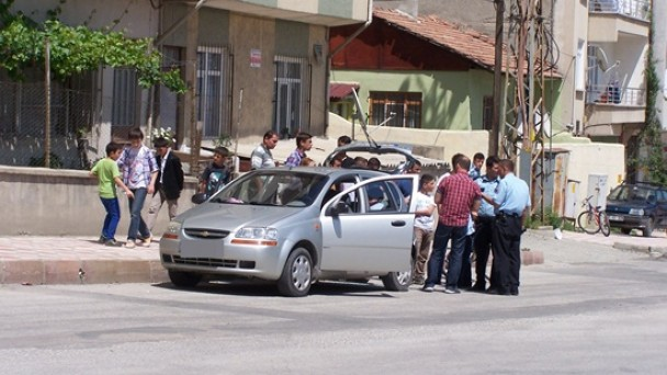Hastane Kavşağı'nda Kaza; 2 Yaralı