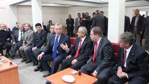 TOSYA'DA BAYRAMLAŞMA TÖRENİ YAPILDI İlçemizdeki Bayramlaşma Törenine Ak Parti Kastamonu Milletvekili Hasan Altan da Katıldı