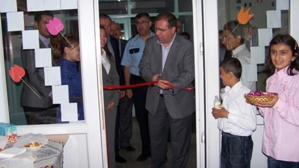 Fatih İlköğretim Resim Sergisi Açıldı
