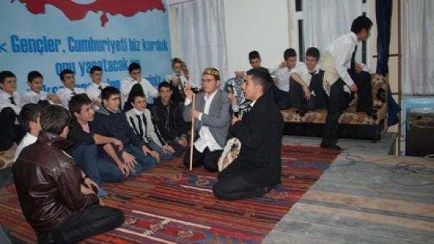 Anadolu Öğretmen'den Farklı Bir Gece; Genç Yarenler Yola Çıktı..