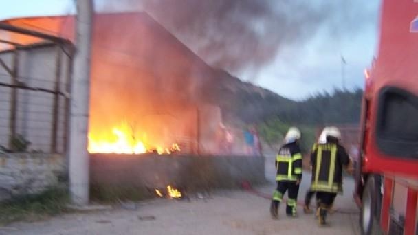 Sanayi Bölgesinde Korkutan Yangın