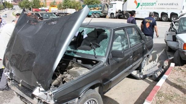 Sanayi kavşağına dikkat; Bu kaçıncı kaza..!