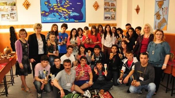 Anadolu Öğretmen Lisesi Romanya'dan Döndü