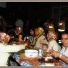 Esenler`de konu komşu sokakta iftar açtı