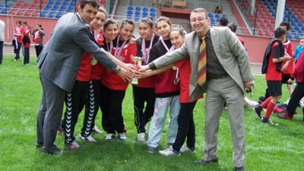 Tosya'da Atletizm Şenliği Düzenlendi