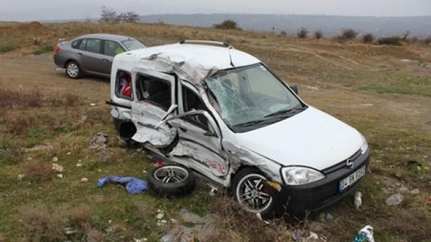 E-80'de yine kaza, 4 yaralıdan 1''i hayatını kaybetti
