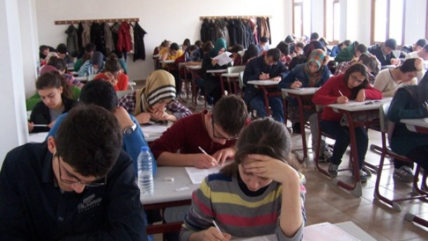 400 Öğrenci Hafta Sonu Ter Döktü