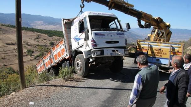 Yukarı Dikmen Köyünde Feci Kaza 1 ölü, 1 yaralı