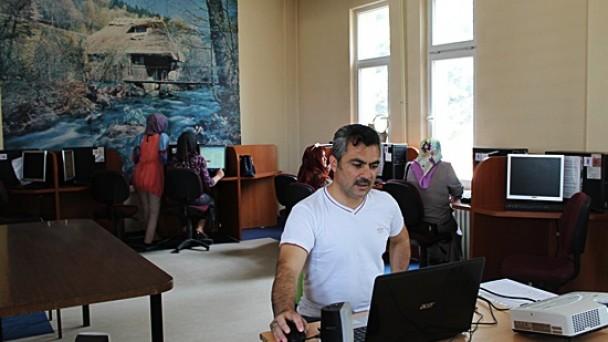ll. Etap bilgisayar eğitimi devam ediyor