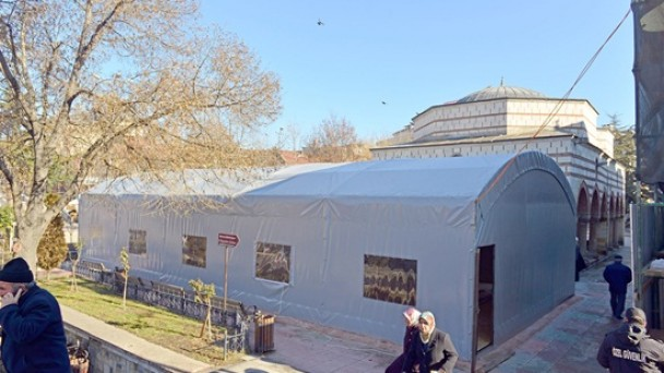 Dev 'Namaz Çadırı'