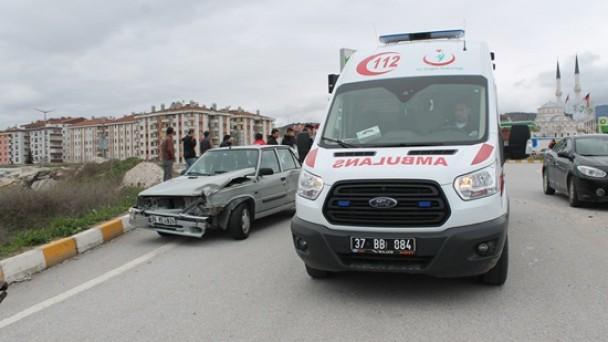 Hafta Sonu D-100'de 2 Kaza;2 Yaralı