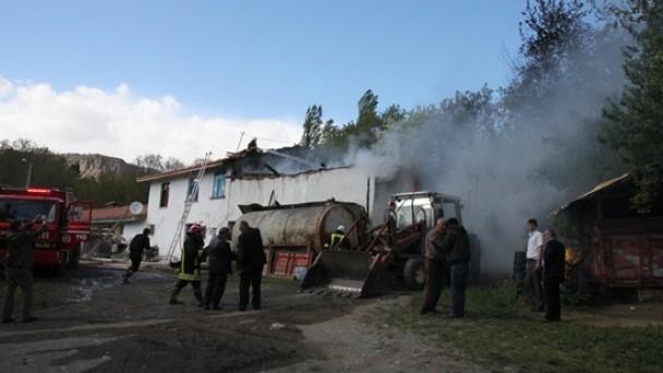 Beşçam'da Yangın Korkuttu