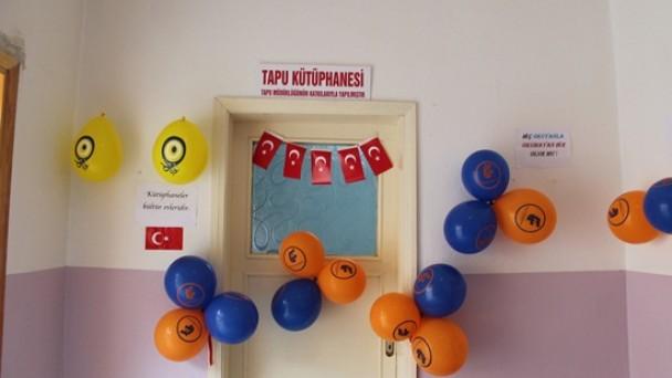 Tapu Müdürlüğü Ekincik Köyü'ne Kütüphane Bağışladı