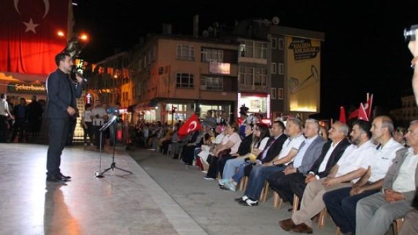 Kahramanlık Türküleri ile Demokrasi Nöbetine
