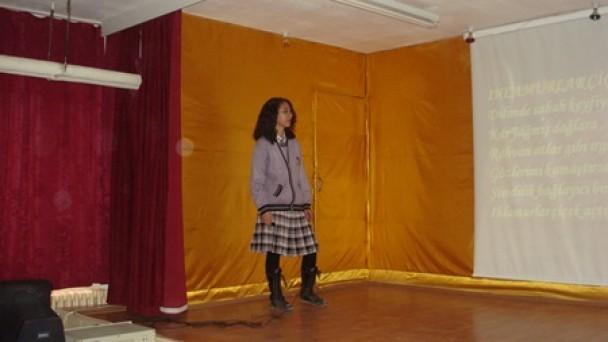 Yenidoğan İlköğretim, Tatili Şiir Dinletisi ile Başlattı