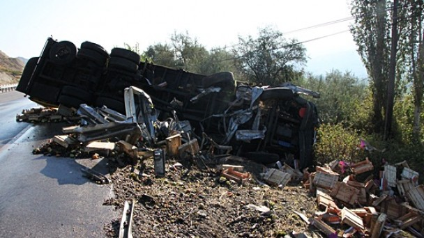 Tosya'da iki kaza;2 yaralı