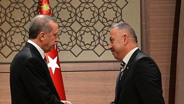 Cumhurbaşkanı Erdoğan'ı Kongreye Davet Etti