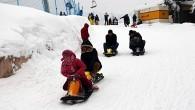 Karnesini Alan Kayak Yapmaya Koştu