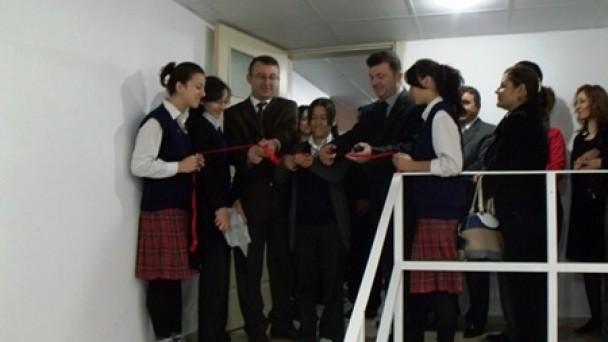Kız Meslekte Lisesi'nde Sosyal Mekanlar Yenileniyor