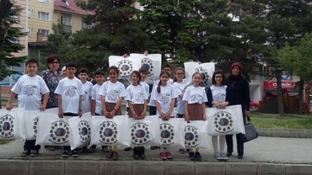 Öğrencilerden Temiz Çevre Projesi
