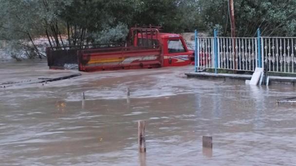 Sel, Ekili Alanları Vurdu