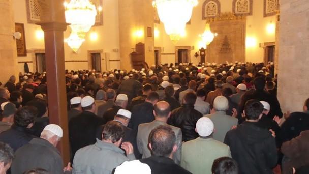 Tosya'da Regaip Kandilinde Yeni Cami Doldu Taştı