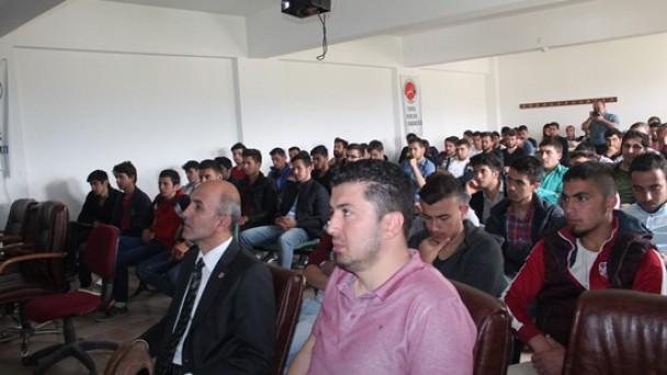 Tosya Meslek Yüksekokulunda Mobilya Semineri