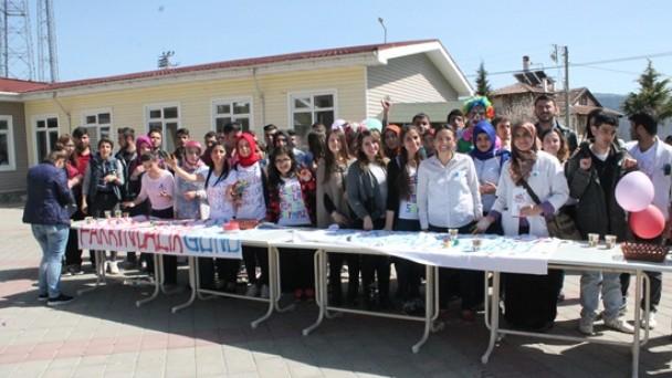 Tosya MYO Öğrencileri Otizme Dikkat Çekti