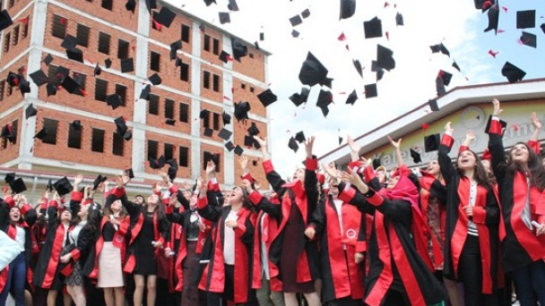 529 Öğrenci Mezun Oldu