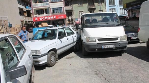 3 Araç Birbirine Girdi