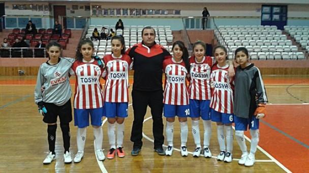 Tosya Sakarya Ortaokulu Futsal'da İl 2.Cisi Oldu