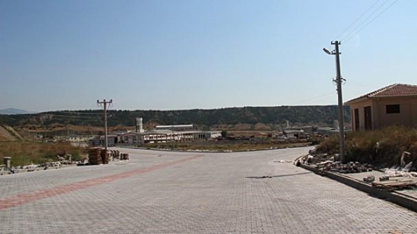 OSB'ye 85 bin m2 parke döşeniyor