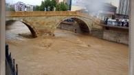 Yağıştan İşyerleri Su Altında Kaldı