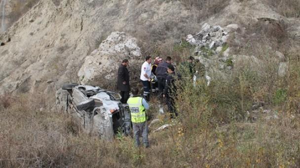 Otomobil Kanlıdereye Uçtu; 1 Yaralı