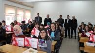 Tosya Anadolu Lisesi'nde Tabletler Dağıtıldı