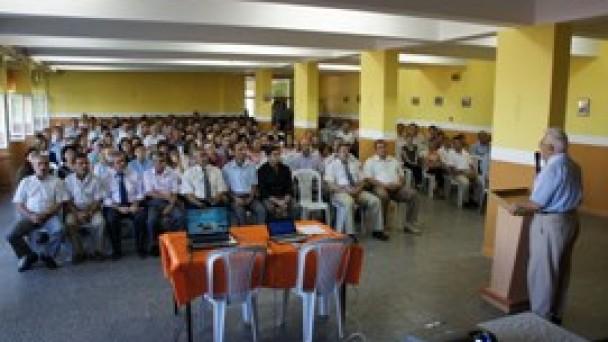 Öğretmenler konferansta buluştu
