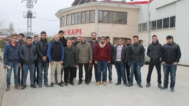 Üniversite Öğrencileri Kapı Fabrikasını Gezdi